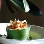 Risotto chic: con crema di cavolfiore, porro croccante e foglie di paprika