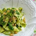 Penne lisce Matt MonoGrano Felicetti con crema di broccoletti allo zenzero, granella di noci e robiola  #lisciacomelolio