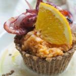 In Cucina per Chef Pierangelin: Cestini di lenticchie di Onano con crema di calamari al coriandolo e cardamomo su salsa all'arancia