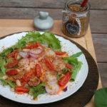 Insalatona estiva con mix di semi oleosi e bacche di goji